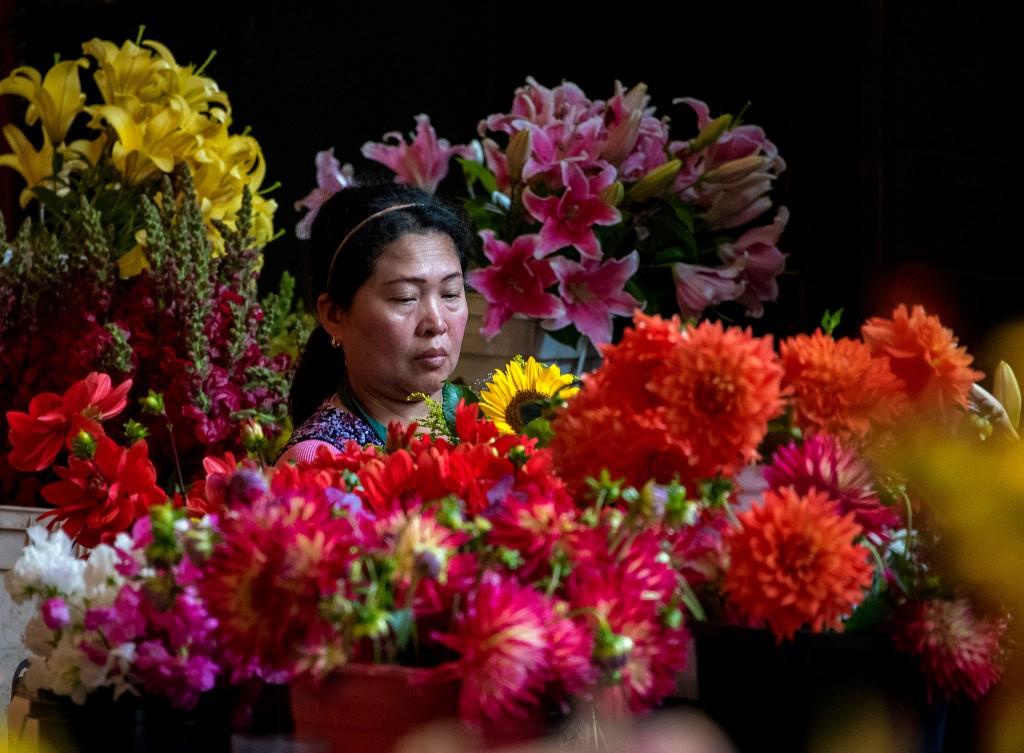 Flower Seller 2